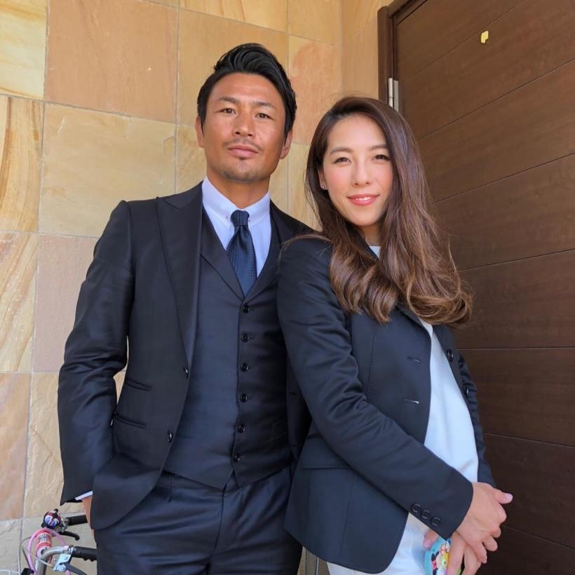 魔裟斗・矢沢心夫妻の入園式ファッションが素敵(画像は『魔裟斗 2018年4月10日付Instagram「次女の入園式へ」』のスクリーンショット)