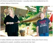 【海外発!Breaking News】「リアル・ラプンツェル」の10歳少女 ブロンドヘアは1.4メートル!(南ア)