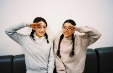 """【エンタがビタミン♪】芳根京子&泉里香 """"W月海""""ショットにファン「これは貴重」"""