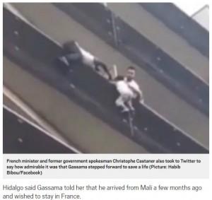 """【海外発!Breaking News】バルコニーで転落寸前の4歳児を救った移民男性 """"パリのスパイダーマン""""と称賛される<動画あり>"""