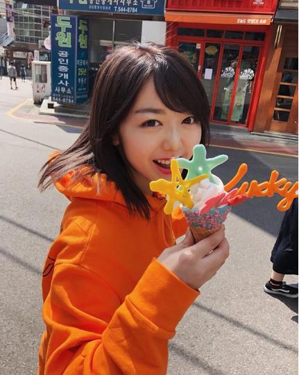 韓国旅行を楽しむ峯岸みなみ(画像は『峯岸みなみ 2018年5月3日付Instagram「Lucky me」』のスクリーンショット)