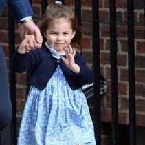【イタすぎるセレブ達】3歳になったシャーロット王女 兄や弟を引っ張っていく存在に?