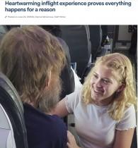 """【海外発!Breaking News】盲目で聴覚障がいの男性、機内で""""15歳の天使""""に出会う(米)"""