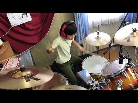 """矢野顕子も「何回も見たい!」(画像は『Kaneaiyoyokaかねあいよよか / 2018年1月21日公開 YouTube「Led Zeppelin『Good Times Bad Times』を8歳小2女子ドラマー""""よよか""""が叩いてみた 8year old drummer """"Yoyoka""""」』のサムネイル)"""