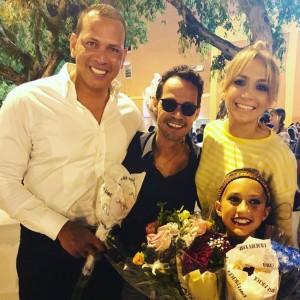 ジェニファーに激似のエメちゃん(画像は『Alex Rodriguez 2018年6月14日付Instagram「Natasha, Ella & Emme dance recital. #familia」』のスクリーンショット)