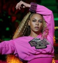 【イタすぎるセレブ達】ビヨンセ&Jay-Z、グレンフェル・タワー火災犠牲者のために熱唱 会場は涙