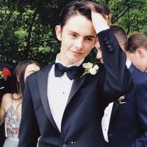 【イタすぎるセレブ達】マイケル・ダグラスの17歳息子がプロムへ 「なんてゴージャスな青年」と話題に