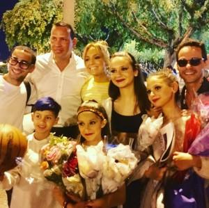 【イタすぎるセレブ達】ジェニファー・ロペス&アレックス・ロドリゲス、娘達のダンスリサイタルへ 元夫も応援に