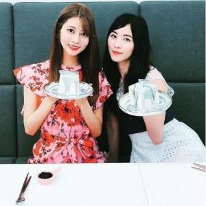 阿部マリアと松井珠理奈(画像は『松井珠理奈 2018年6月6日付Instagram「初めての大理石ケーキ」』のスクリーンショット)
