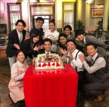 【エンタがビタミン♪】三浦翔平の誕生日を『正義のセ』キャスト陣が祝福「こんなに大勢集まったのは今日が初めて」