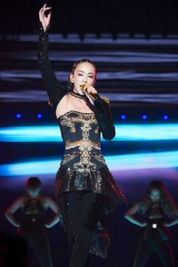 『namie amuro Final Tour 2018 ~Finally~』ファイナル公演で全30曲を披露した安室奈美恵