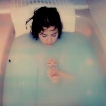【イタすぎるセレブ達】セレーナ・ゴメス、ホラー作品に出演 戦慄ショットを制作者が公開