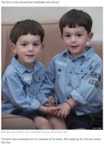【海外発!Breaking News】まるで鏡! そっくりな双子男児に母がリストバンドで区別(英)