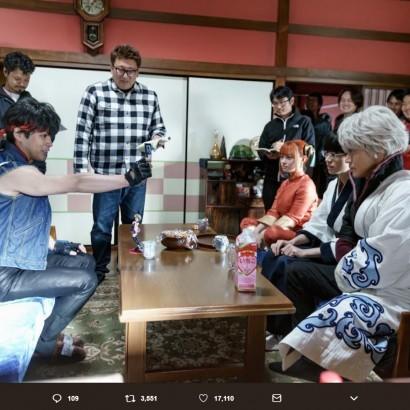 【エンタがビタミン♪】『銀魂2』福田監督の誕生日を祝い撮影現場を公開 その光景に「トッシーだ」の声
