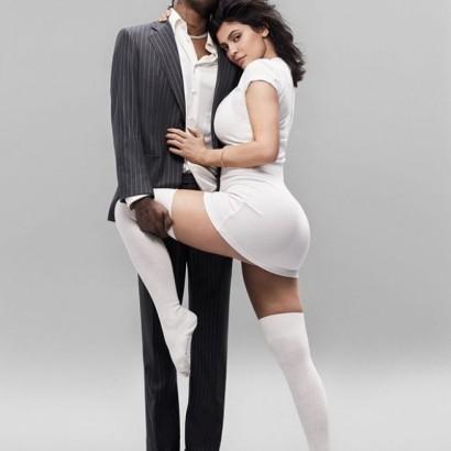 【イタすぎるセレブ達】カイリー・ジェンナー&トラヴィス・スコットが人気誌に登場 カーダシアン一家との関係も激白