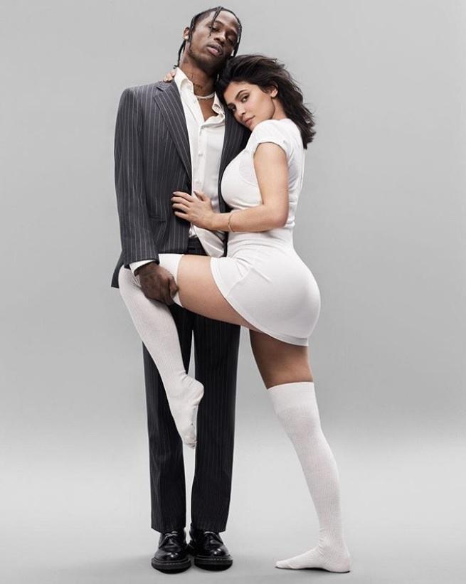 カーダシアン家の女性は有名すぎて…?(画像は『GQ 2018年7月17日付Instagram「The world's most powerhouse power couple @kyliejenner & @travisscott shot by @paolakudacki for GQ's August cover story.」』のスクリーンショット)