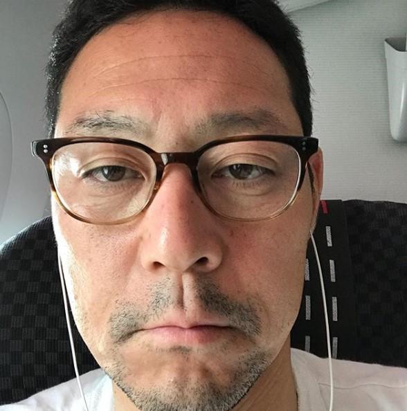 過酷なロケを行った東野幸治(画像は『東野幸治 2018年7月4日付Instagram「過酷な旅で顔が歪んできました。」』のスクリーンショット)