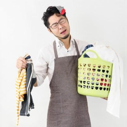 共働き世帯「家事の分担」どうしてる? 妻の半数が不満も、家事をして注意された夫も3割