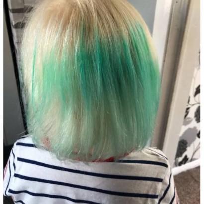 【海外発!Breaking News】ファストファッション店にて購入したヘアゴム使用で髪が緑色に(英)