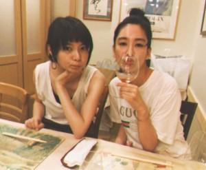 森矢カンナと水川あさみ(画像は『水川あさみ 2018年7月28日付Instagram「大切な人ら囲まれて生まれたことをお祝いしてもらえるって、ほんとこの上ないよろこび。」』のスクリーンショット)