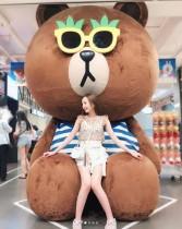 """【エンタがビタミン♪】HKT48森保まどか、韓国で""""デカブラウン""""とインスタ映えも「美脚に目が行く」の声"""