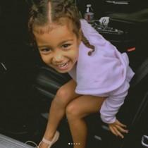 【イタすぎるセレブ達】キム・カーダシアン長女、5歳でファッションキャンペーンに登場