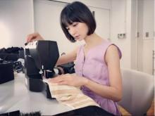 【エンタがビタミン♪】篠田麻里子、ミシンを操る姿を公開「こう見えても服飾専門学校…」