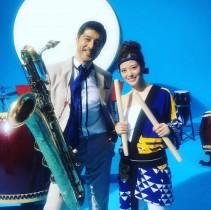 【エンタがビタミン♪】乃木坂46白石麻衣&スカパラ谷中敦のCMオフショット 大きな和太鼓が満月のよう