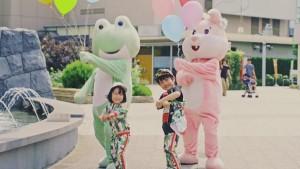 『TikTok』WEBCMに着ぐるみや子ども達も登場