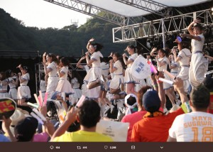 SKE48『美浜海遊祭2018』でのライブステージ(画像は『高柳明音 2018年8月6日付Twitter「#美浜海游祭  SKE48 Special Live Show supported by アイア 楽しかったああぁぁぁあ」』のスクリーンショット)
