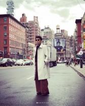 【エンタがビタミン♪】綾部祐二のクールなオーバーコート姿に意見分かれる「恥ずかしい」「雰囲気出てる」