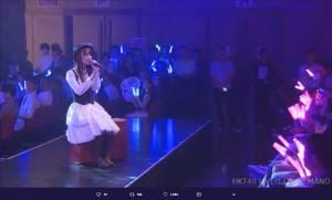 『チームKIV「制服の芽」公演 植木南央 生誕祭』で歌う植木南央(画像は『植木南央 2018年9月5日付Twitter「緊張したアアア」』のスクリーンショット)