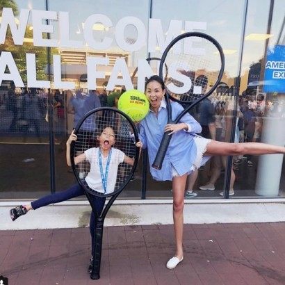 【エンタがビタミン♪】SHIHO、娘と美脚披露 全米オープン観戦で伊達公子や大坂なおみ選手と交流