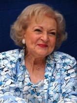 【イタすぎるセレブ達】ベティ・ホワイト(96)がエミー賞授賞式に登場 その元気な姿に全米が沸く