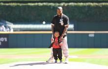 【イタすぎるセレブ達】カニエ・ウェスト「ハッピーな日曜日」過ごす 2歳長男と始球式に登場