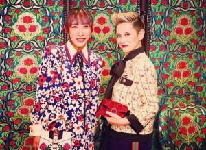 蜷川実花と夏木マリ(画像は『mari natsuki 2018年9月13日付Instagram「実花さんと、、本当にフットワークよく活躍している姿は素晴らしいな!」』のスクリーンショット)