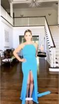 【イタすぎるセレブ達】サラ・ミシェル・ゲラー『第70回エミー賞授賞式』の日に19年前のドレスを着て「まだ入るわ!」