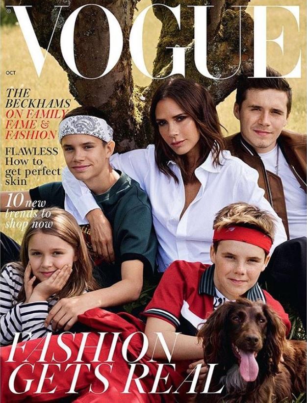 ヴィクトリアと4人の子供達(画像は『Victoria Beckham 2018年9月3日付Instagram「Thank you @britishvogue and @edward_enninful for celebrating my ten year anniversary with me」』のスクリーンショット)