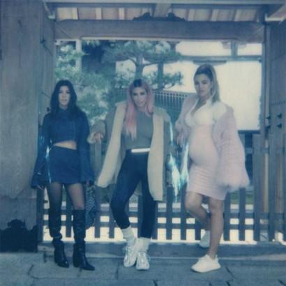 【イタすぎるセレブ達】キム・カーダシアン、来日時にファッションめぐり姉妹喧嘩「私がダサく見える」