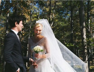 【イタすぎるセレブ達・Flash】カーリー・クロス、交際6年の実業家と結婚