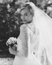 【イタすぎるセレブ達】カーリー・クロス、結婚式の美しい写真公開「いつまでも幸せに」