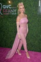 【イタすぎるセレブ達】ケイティ・ペリー、全身ピンクのバービースタイルで登場