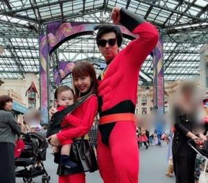 【エンタがビタミン♪】アレクサンダー&川崎希 TDLで家族仮装キメるも、年パス使えないアクシデント