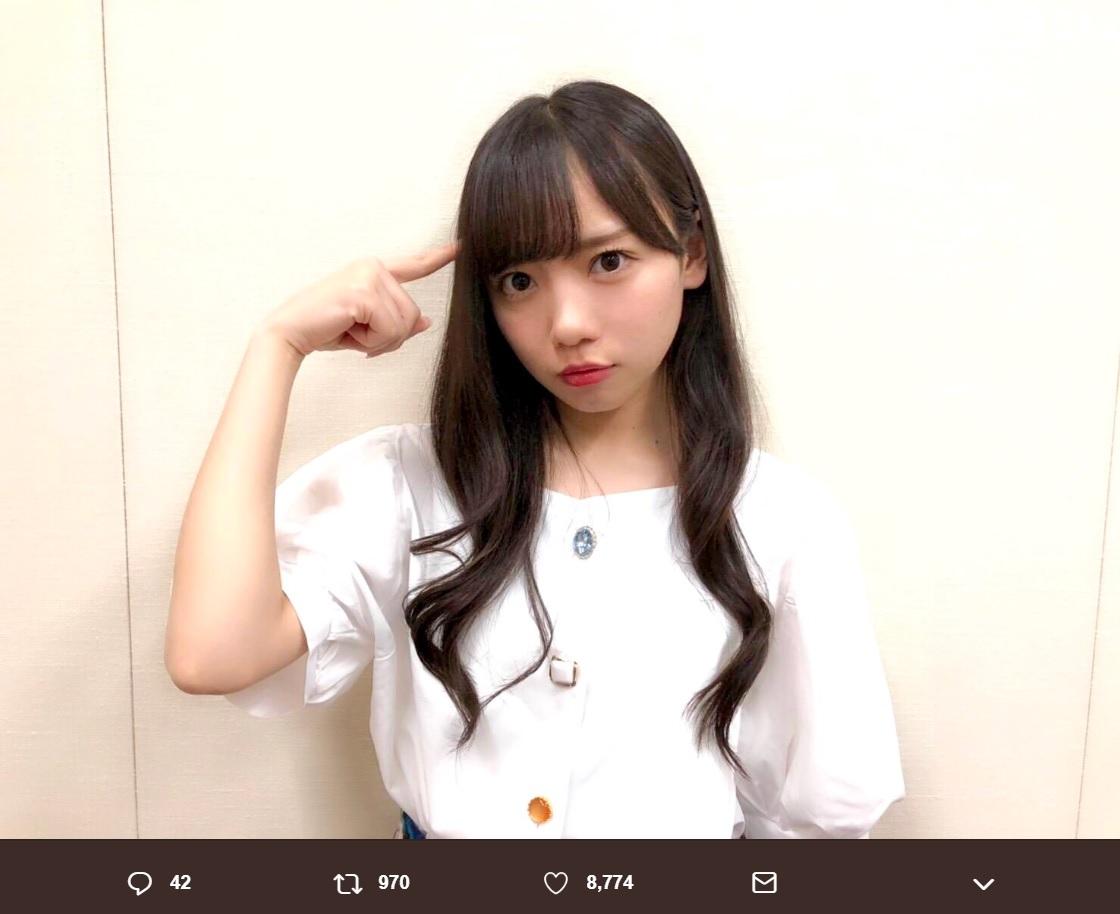 けやき坂46の齊藤京子(画像は『欅坂46 2018年10月8日付Twitter「この後、20:00~齊藤京子がSHOWROOM配信致します」』のスクリーンショット)