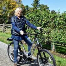 【イタすぎるセレブ達】マーサ・スチュワート77歳、自転車乗った写真に心無いコメント受け猛反論 「私はまだまだ絶好調!」