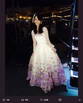"""【エンタがビタミン♪】松井玲奈『SKE48衣装展』を訪れ""""卒業ドレス""""と再会「改めて見ても、1番好きな衣装」"""