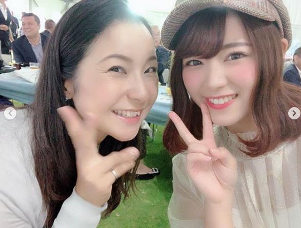 馬場由美子プロと山内鈴蘭(画像は『山内鈴蘭 suzuran yamauchi 2018年10月8日付Instagram「今日は女子プロのスターツレディースゴルフのプロアマ大会に初めて!!参加させて頂きました」』のスクリーンショット)