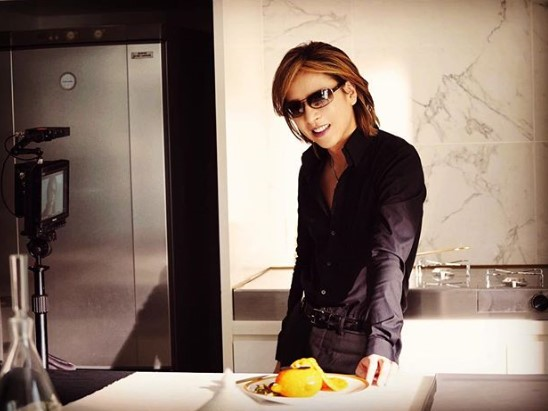 """""""きよら""""のCMに出演したYOSHIKI(画像は『Yoshiki 2018年10月17日付Instagram「やった甲斐があった。」』のスクリーンショット)"""