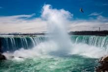 """""""音""""が人気の旅行先1位は「ナイアガラの滝」 恋人と行く頻度など""""イマドキ女性""""の旅事情は?"""