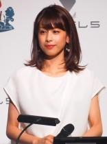 【エンタがビタミン♪】加藤綾子、幼い頃の親子ショットに「母譲りの美人DNA」と納得の声